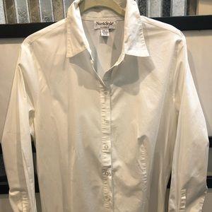 The perfect white shirt size lg EUC